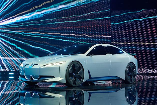 BMW、航続距離でテスラを凌ぐ電気自動車「i4」を2020年までに発売すると認める