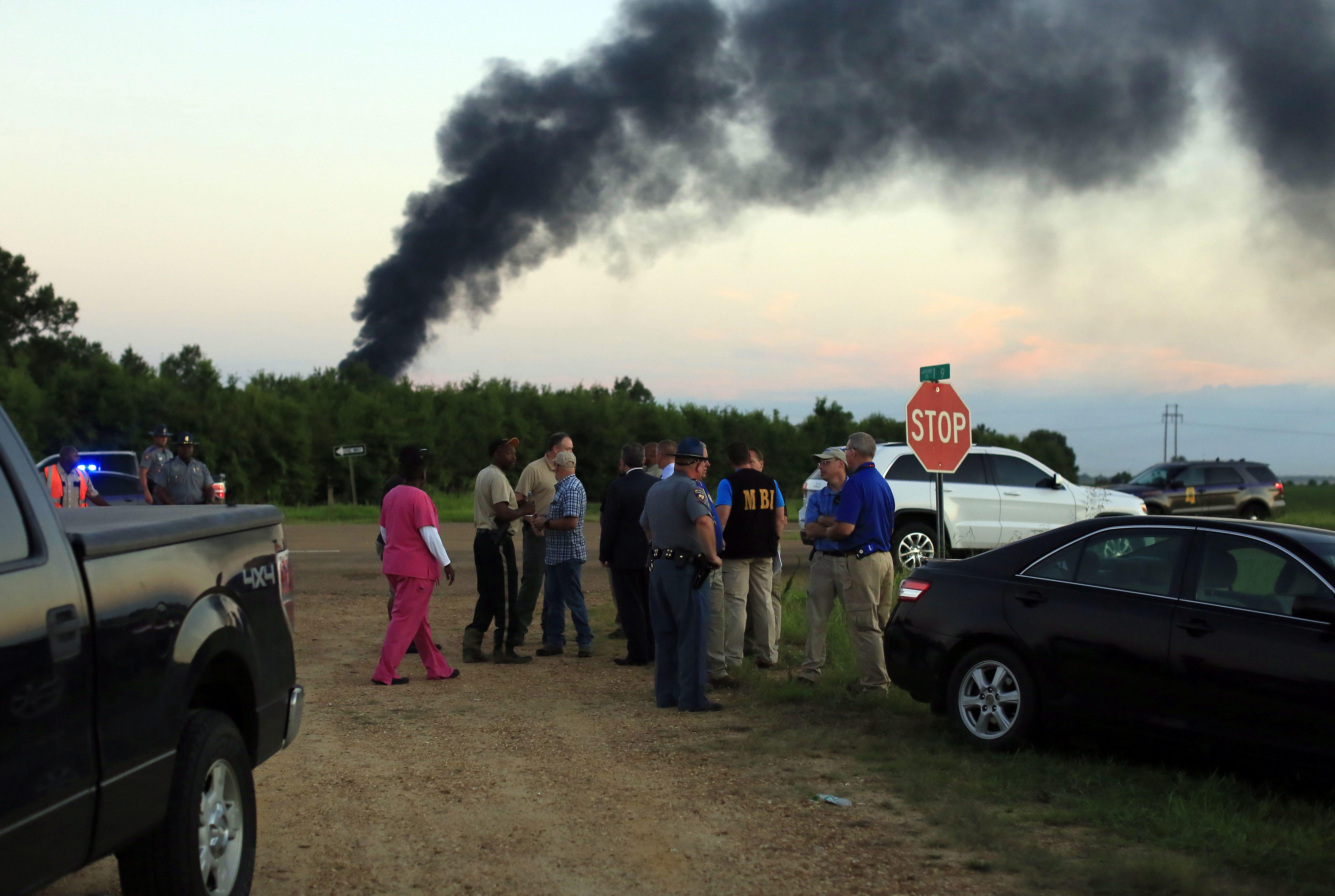 Plusieurs morts après l'écrasement d'un avion militaire au