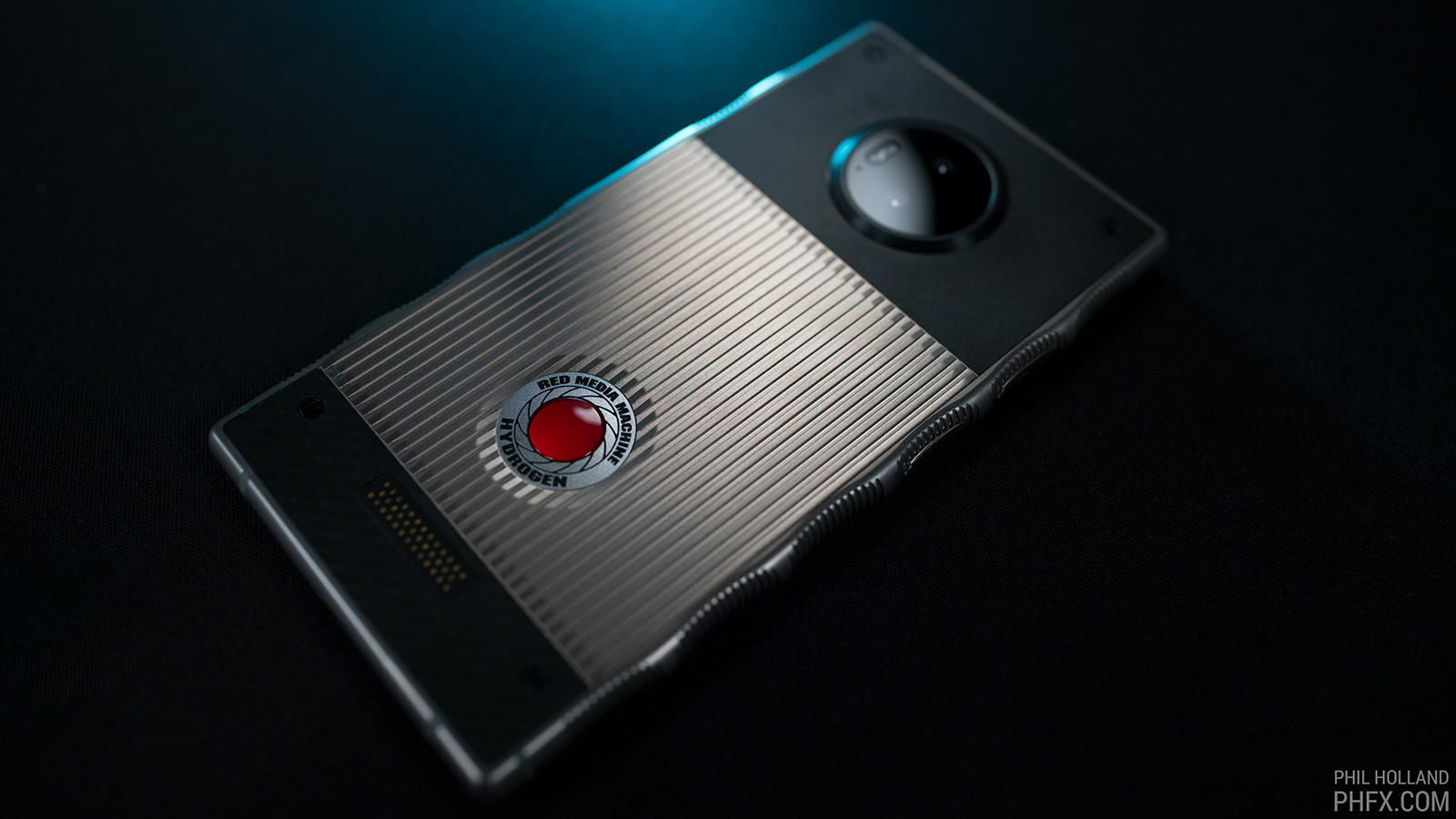red is building an 8k 3d camera for its holographic phone