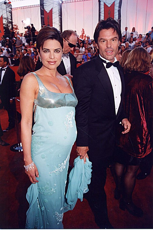 Lisa Rinna & Harry Hamlin at the 1998 Academy Awards in Los Angeles. (Photo by Jeff Kravitz/FilmMagic,
