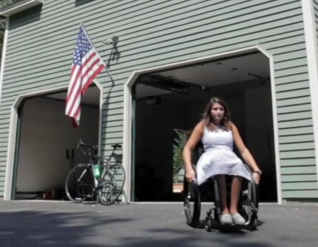 【ビデオ】下半身不随の女性が、シートヒーターで重度のやけどを負いGMを提訴
