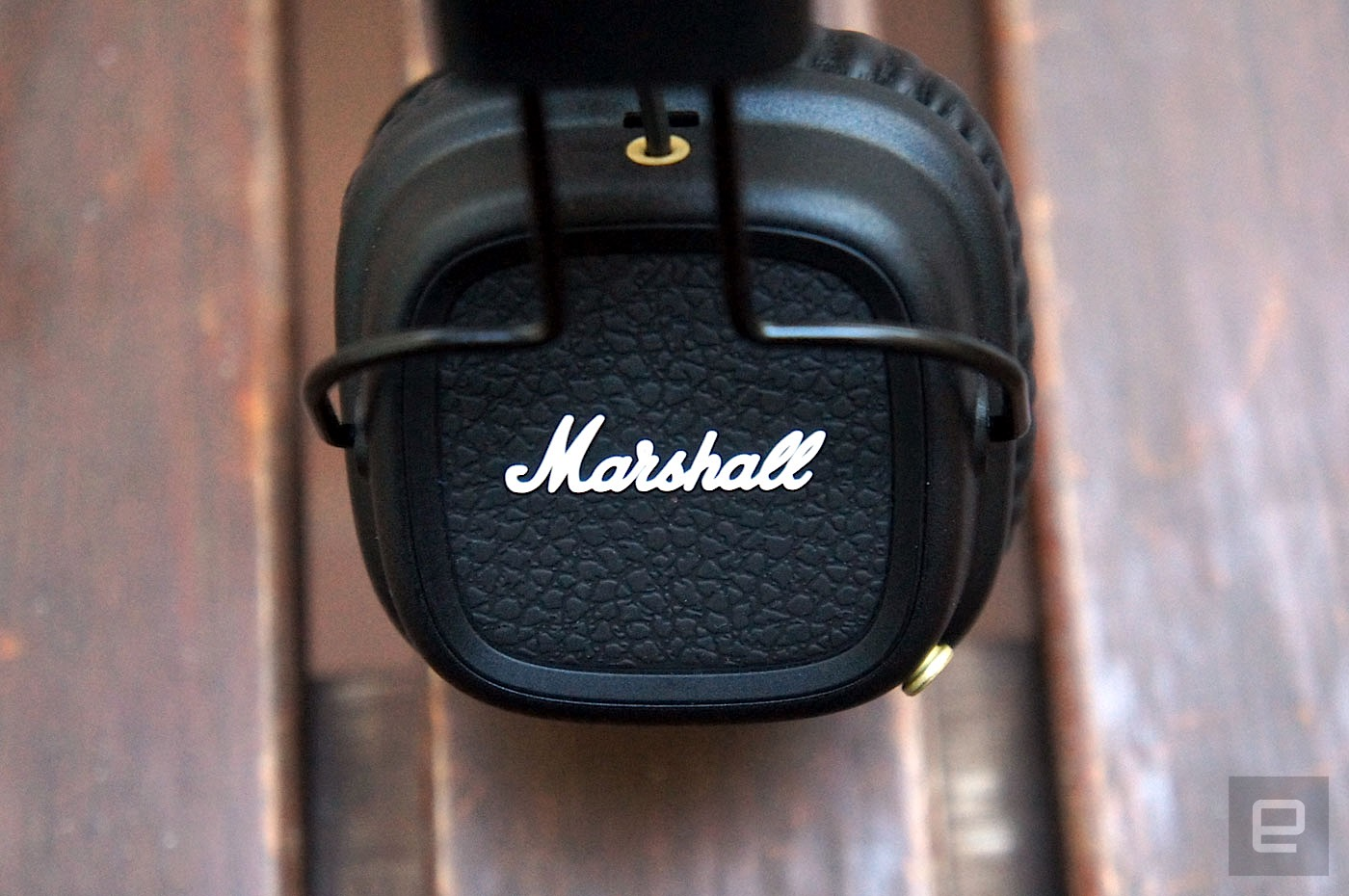 marshall 39 s wireless headphones rock all night and day long. Black Bedroom Furniture Sets. Home Design Ideas
