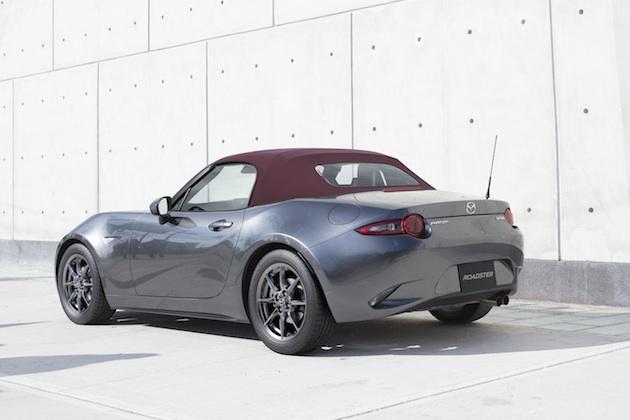 マツダ、「ロードスター」の質感・快適性・安全性を向上 特別仕様車「RED TOP」も登場