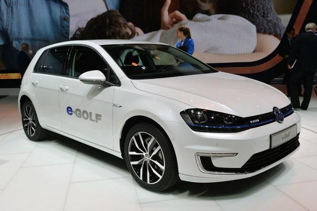 【レポート】VWが2017年までにワイヤレス充電式のEVを販売