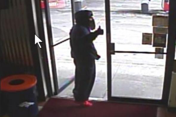 Robber halts crime