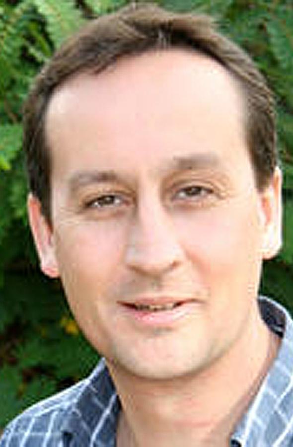 Man's body found in sea off Cornwall identified as Kew Gardens scientist Nigel Veitch