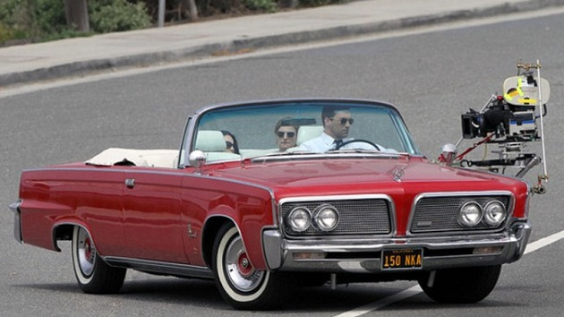 人気米国ドラマ『マッドメン』の主人公が乗っていた1964年式「インペリアル・クラウン・コンバーチブル」がオークションに