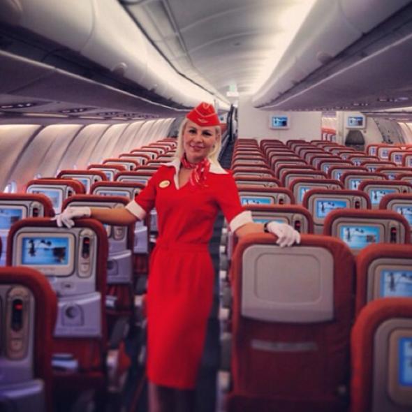 cabin-crew-taking-selfies-in-the-sky