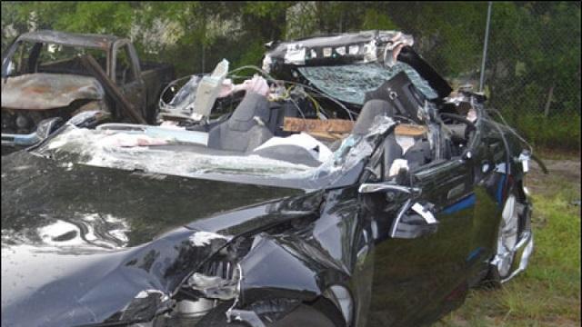 死亡事故を起こしたテスラ「モデルS」が、オートパイロットを作動