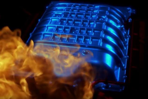 【ビデオ】ダッジ「チャレンジャー SRT デーモン」は、吸気の冷却にエアコンを利用!
