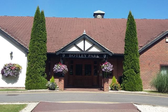 Macdonald Botley Park Hotel & Spa exterior