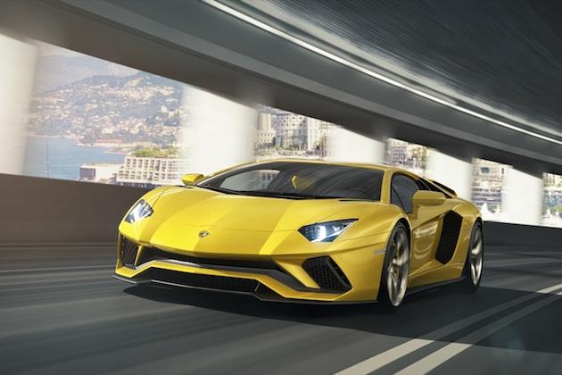 ランボルギーニ、フラッグシップの新世代モデル「アヴェンタドールS」を発表