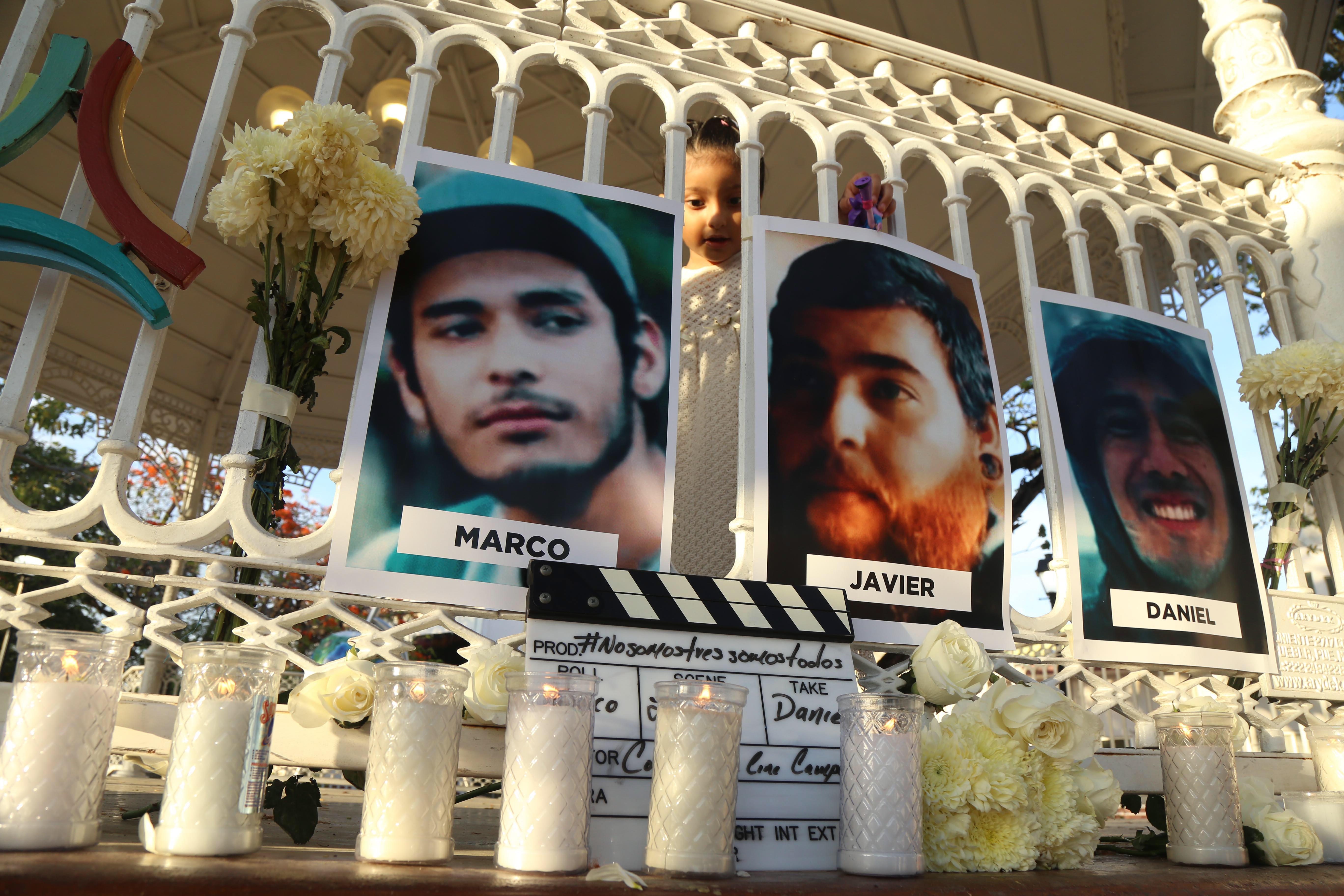 Integrantes del Colectivo de Cine Campechano durante una manifestación el 4 de mayo pasado en el parque...