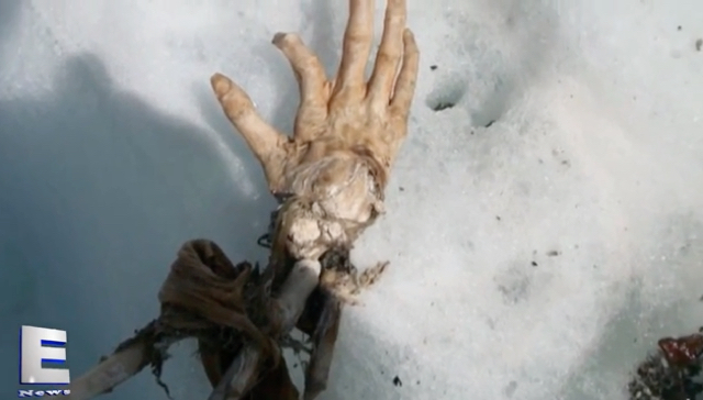 Perfectly preserved hand of plane crash victim from 51 years ago found on mountain