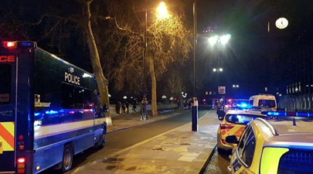 Man stabbed on London party boat