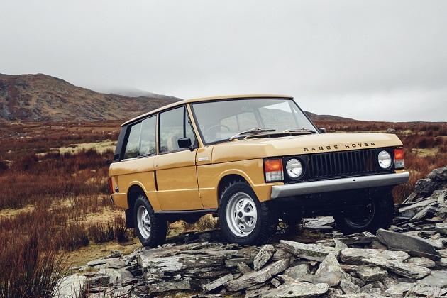 ランドローバーのクラシック部門が、新車同然にレストアされた初代「レンジローバー」を10台限定で販売!
