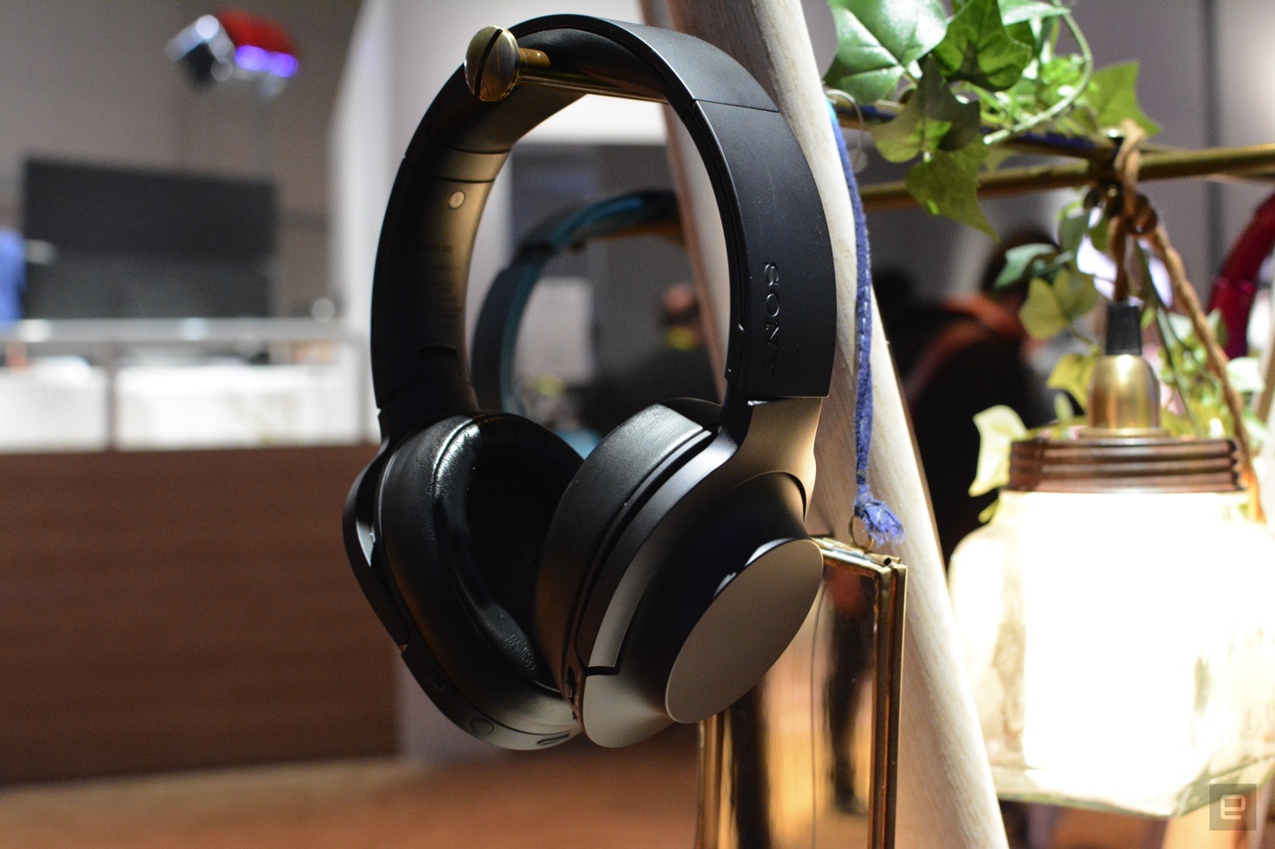 Sony's new wireless headphones mix comfort and great audio