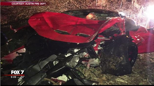 酒に酔ったドライバーがフェラーリ「458 イタリア」で崖からダイブ