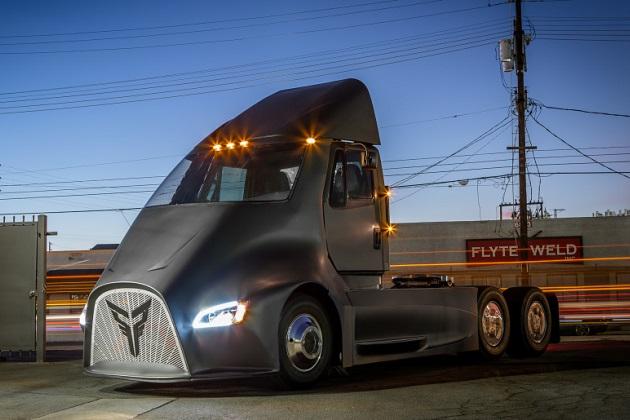米国の新興企業ソー・トラックスが、電動セミトラック「ET-One」を発表!