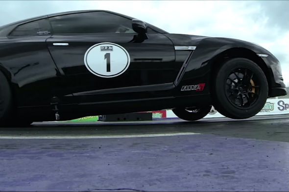 Rapid Nissan GT-R drag race