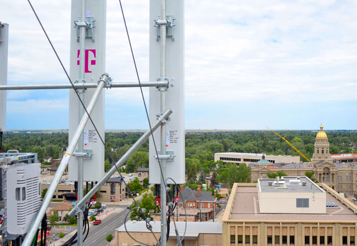 T-Mobile boosts coverage with the first 600MHz LTE network