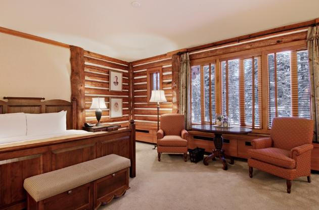 Alberta 39 s fairmont jasper park lodge denies meghan markle for Jasper luxury cabins