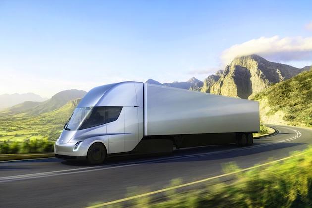 テスラ、EVトラック「セミ」の意外と安い価格を発表 一方で疑問の声もあり
