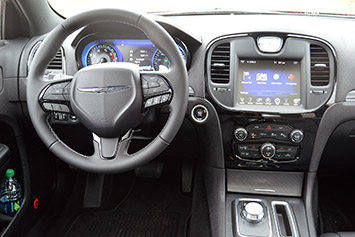 2015 chrysler 300 first drive w video autoblog. Black Bedroom Furniture Sets. Home Design Ideas