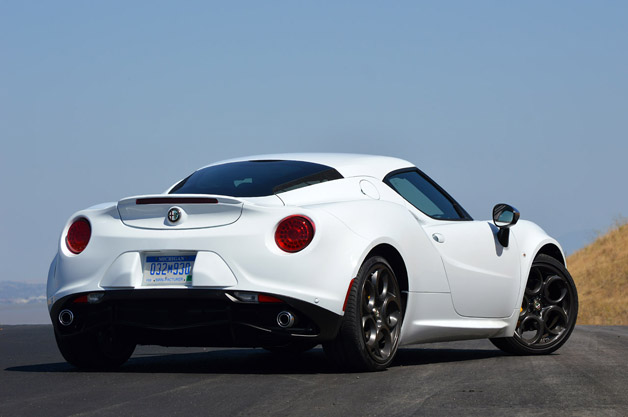 2015 alfa romeo 4c first drive w video autoblog. Black Bedroom Furniture Sets. Home Design Ideas