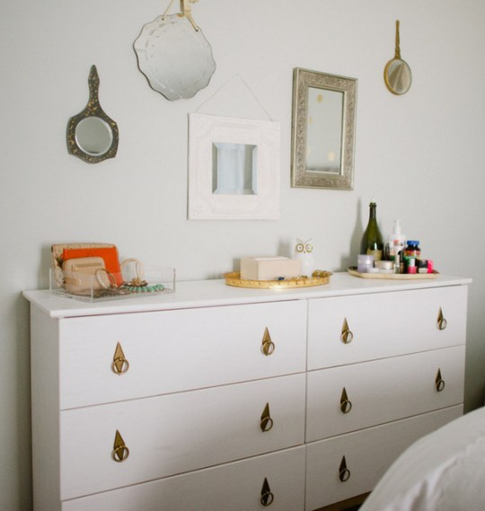 Ikea tarva dresser hack aol lifestyle for Ikea tarva hack de lit