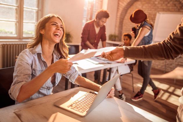 Favorisez les relations énergisantes au travail et en