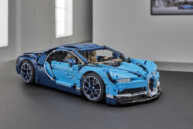 ブガッティ「シロン」を精密に再現したレゴのキットが登場! 超小型W16エンジンのピストンも動く!