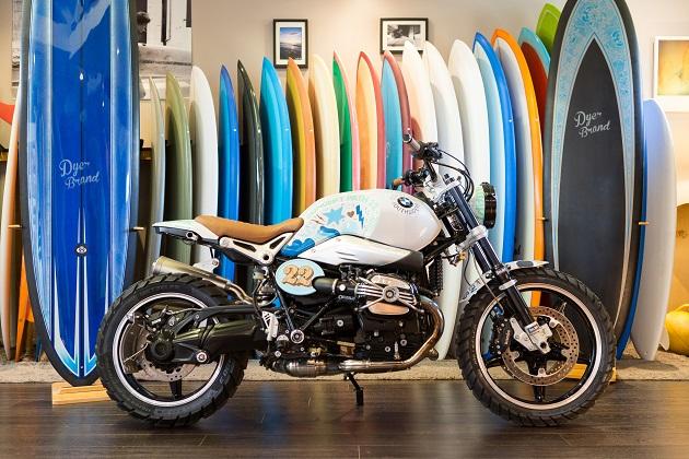 BMW、サーファー向けにカスタマイズしたコンセプト・バイク「パス22」を公開