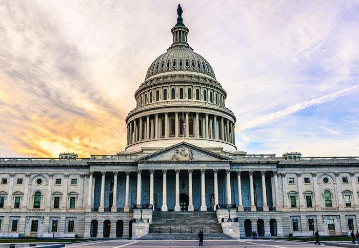 Republican congressman introduces bill to make net neutrality law