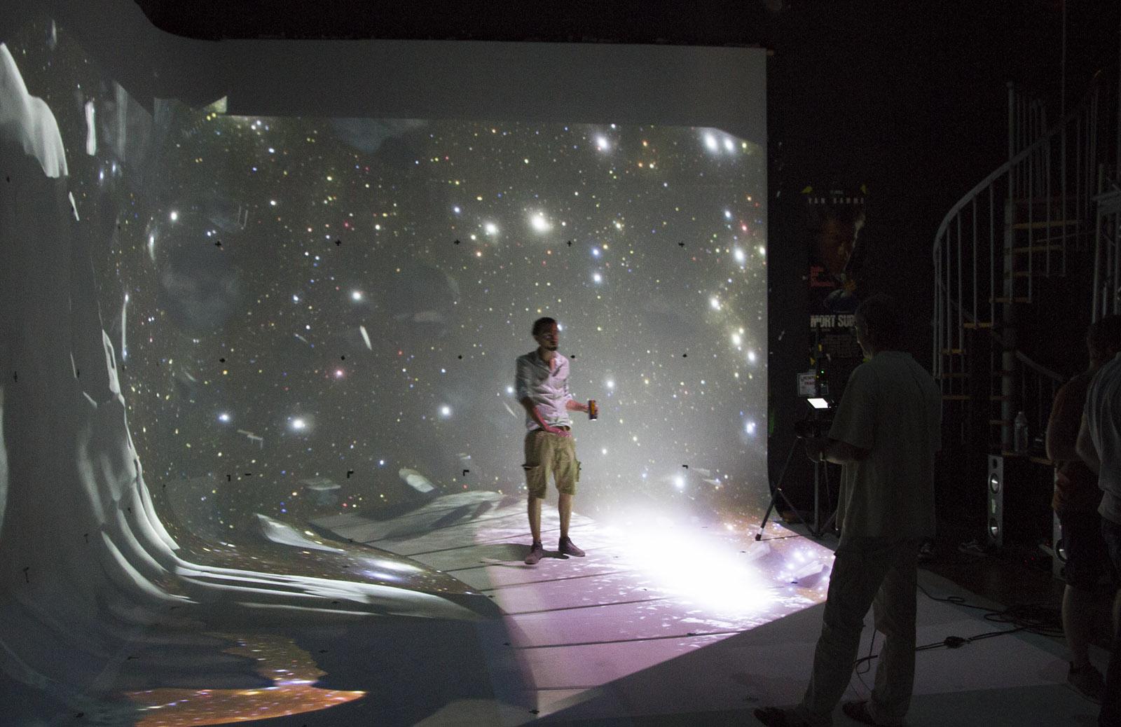 Théoriz recreates the Holodeck with AR tech and projectors