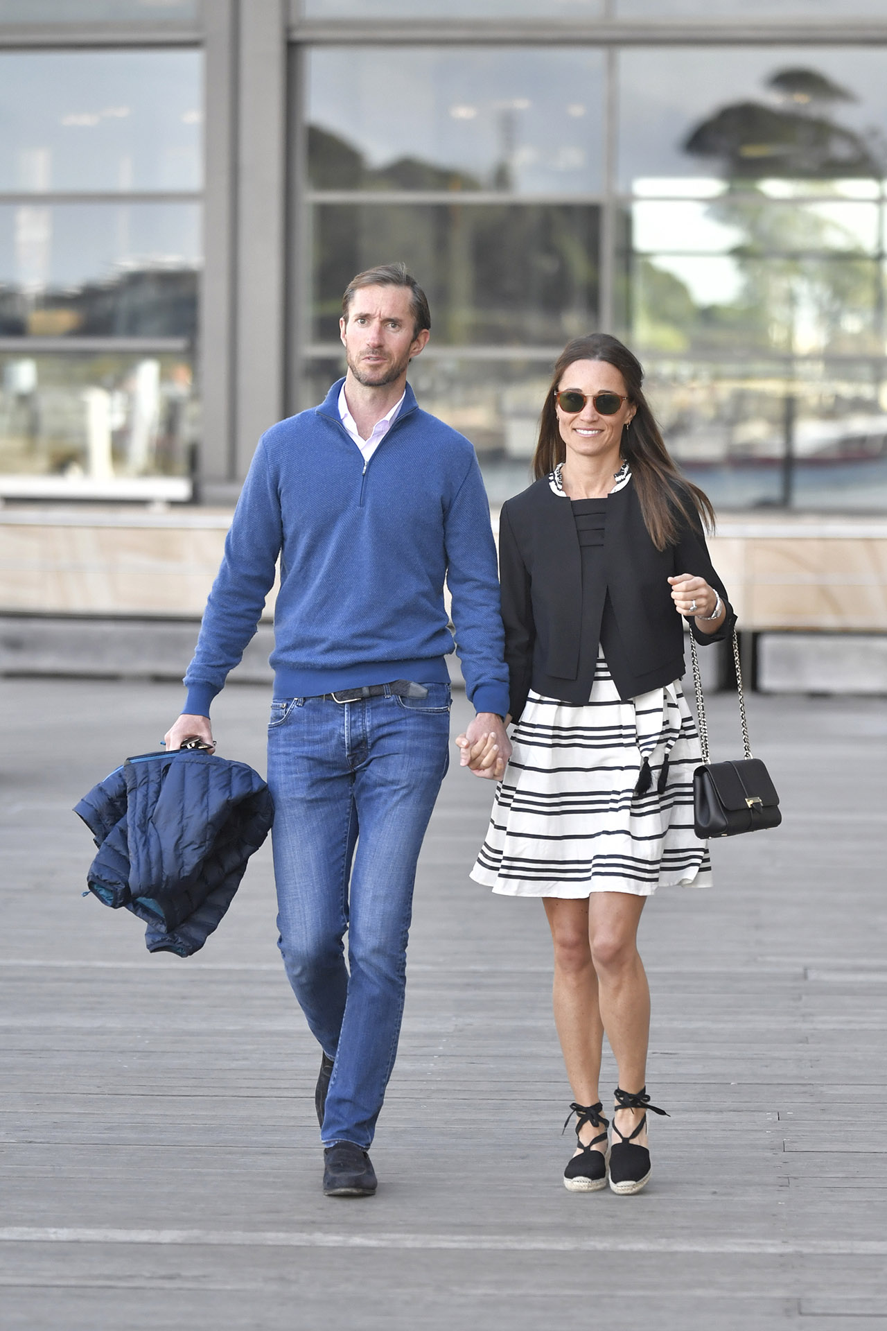 Pippa Middleton and new husband James Matthews are seen getting on a water taxi in Sydney harbour during their honeymoon <P> Pictured: Pippa Middleton and James Matthews <B>Ref: SPL1410918  310517  </B><BR/> Picture by: Splash News<BR/> </P><P> <B>Splash News and Pictures</B><BR/> Los Angeles:310-821-2666<BR/> New York:212-619-2666<BR/> London:870-934-2666<BR/> photodesk@splashnews.com<BR/> </P>