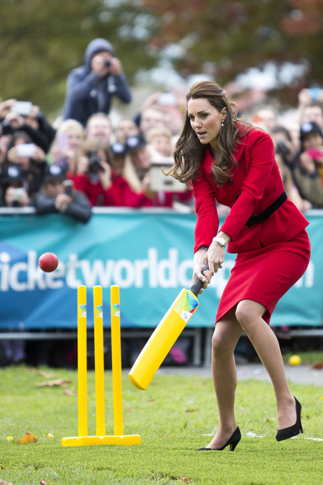CHRISTCHURCH, NEW ZEALAND - APRIL 14:  Catherine, Duchess of Cambridge plays cricket in Latimer Square Gardens on April 14, 2014 in Christchurch, New Zealand. The Duke and Duchess of Cambridge are on a three-week tour of Australia and New Zealand, the first official trip overseas with their son, Prince George of Cambridge.  (Photo by Ian Jones-Pool/Getty Images)