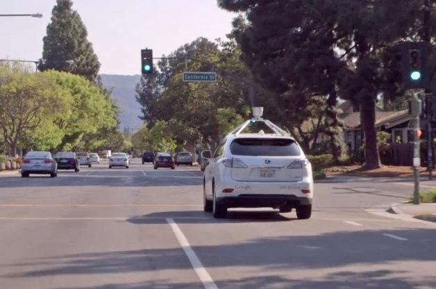 【ビデオ】Googleの自動走行車、市街地での運転も可能に