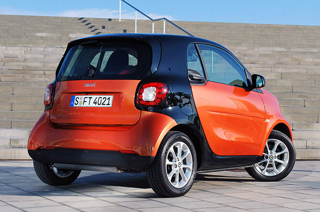 2016 smart fortwo first drive autoblog. Black Bedroom Furniture Sets. Home Design Ideas