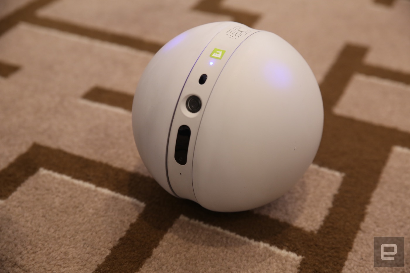 LG made a robot ball and a VR headset for the G5