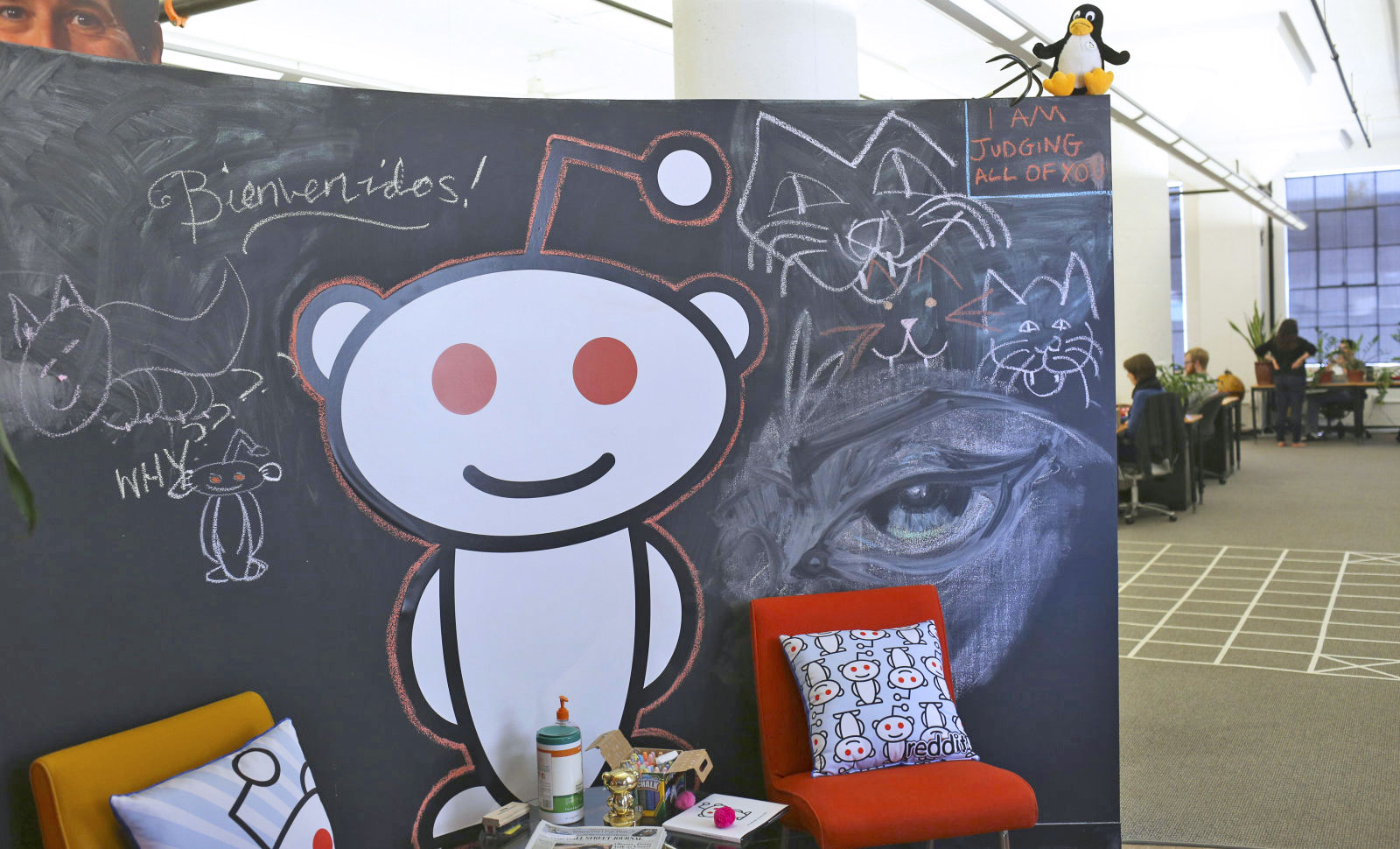 Reddit CEO apologizes for editing users' comments