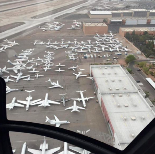 Private planes caused 'traffic jam' at Las Vegas airport ahead of fight
