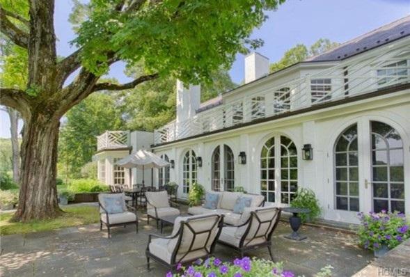 patio Catherine Zeta-Jones home
