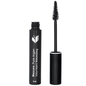 10 Natural Makeup Brands You Should Know For Spring