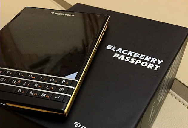 BlackBerry Passport 看来也少不了金色版本...