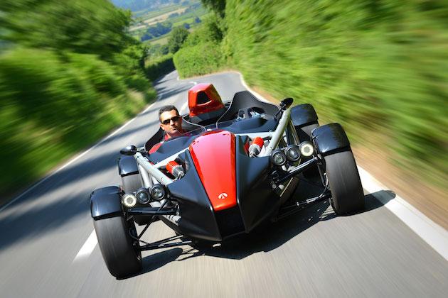 アリエル、全てが刷新された新型「アトム4」を発表! 595kgの車体に最新型ホンダ「シビック TYPE R」のエンジンを搭載