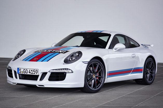 ポルシェがル・マン復帰を記念したマルティーニ仕様の「911カレラS」を発売