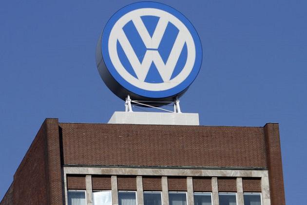 ドイツ検察がフォルクスワーゲン本社を捜索 排ガス不正に関する資料を押収
