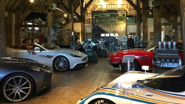 アストンマーティン・ヘリテージ・トラストに開設されたミュージアムは、歴代の名車や貴重なコレクションが満載