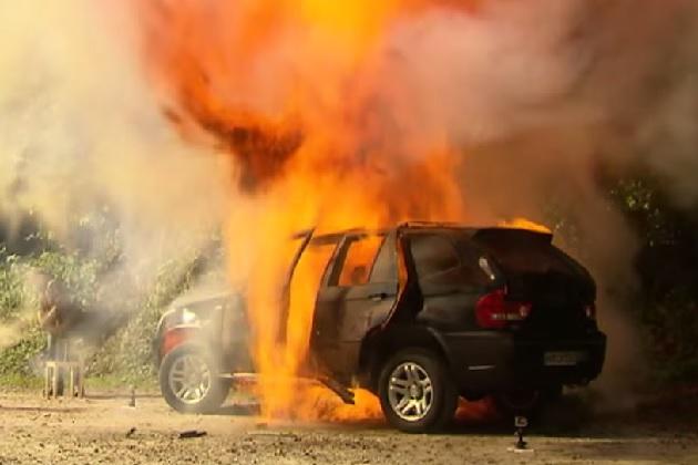 【ビデオ】ドイツの自動車情報サイトが激怒! 中国製のBMW「X5」を爆破